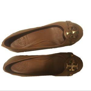 Tory Burch Heels Size 7 Brown Tory Emblem